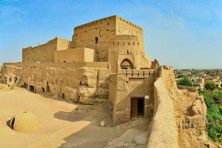 نارین قلعه