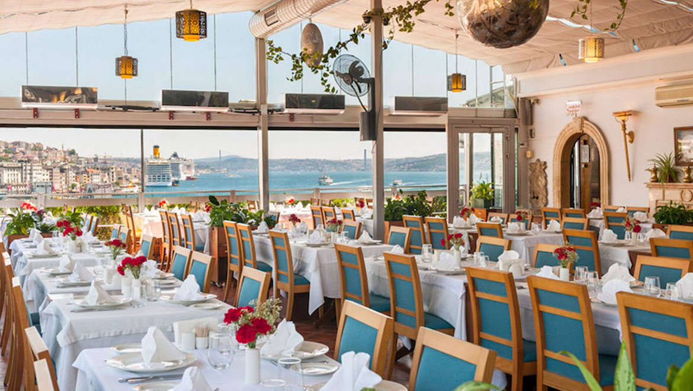 رستوران های میدان تکسیم ، شکمگردی در استانبول