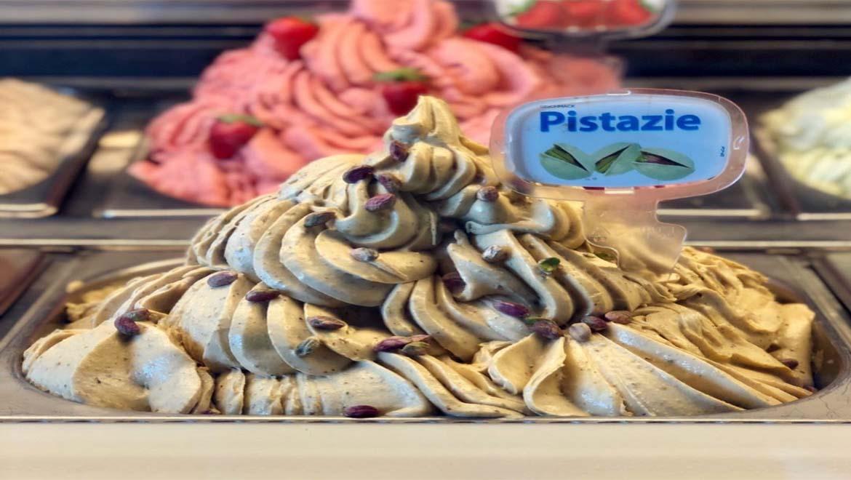 بهترین بستنی فروشی های تهران ؛ رفیق بی کلک روزهای گرم و سرد