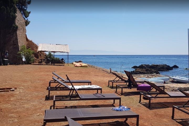 ساحل جزیره بیوک آدا