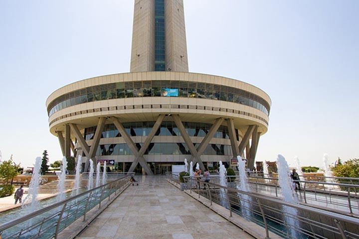 محوطه برج میلاد تهران