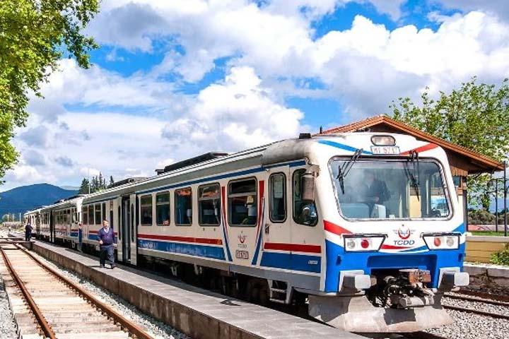 سفر به استانبول با قطار