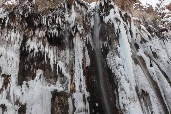 آبشار مارگون در زمستان