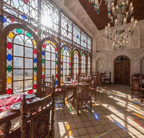 هتل سنتی قصر منشی