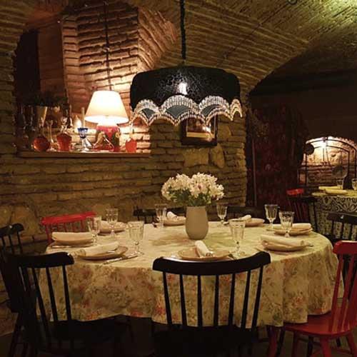 رستوران بربرستان